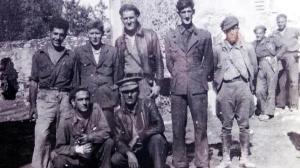 Orwell (segundo por la derecha de los retratados en primer plano).